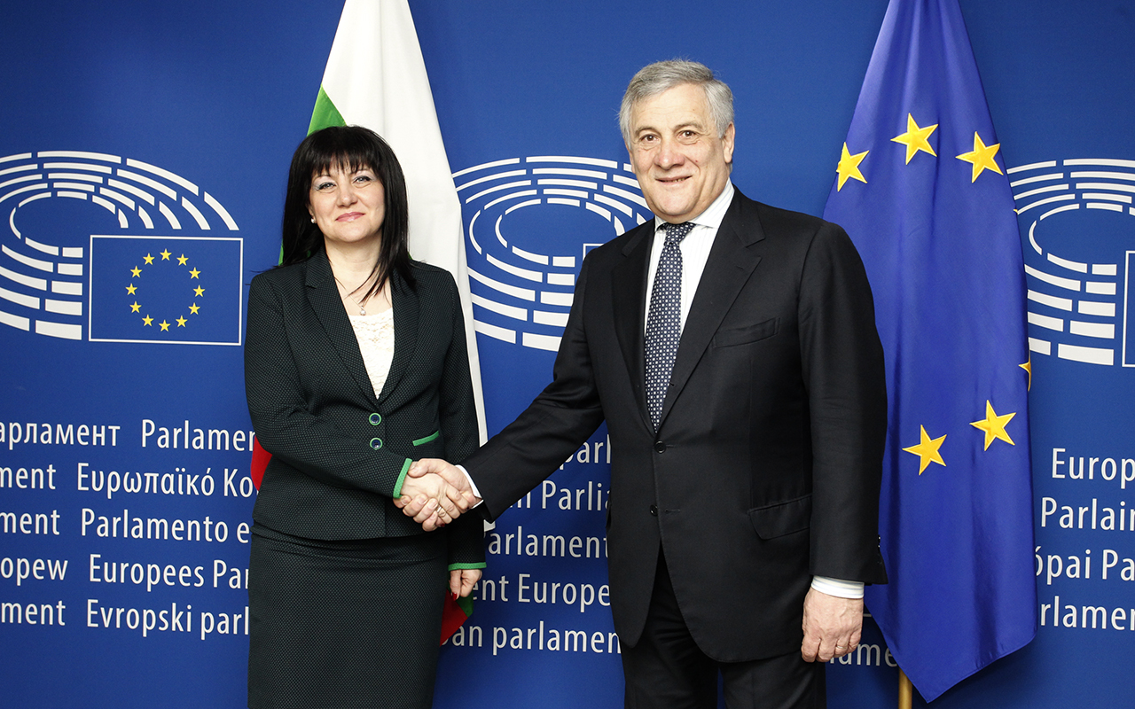 Speaker of Parliament Tsveta Karayancheva speaks with EP President Antonio Tajani in Brussels