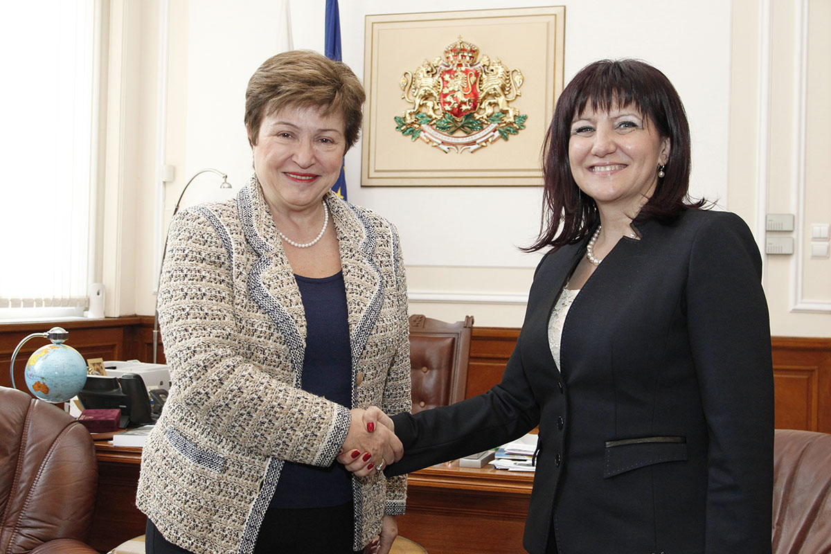 Speaker of Parliament Tsveta Karayancheva and World Bank CEO Kristalina Georgieva discuss the Presidency of the Council of the EU and opportunities for improving transport connectivity of the Western Balkan states