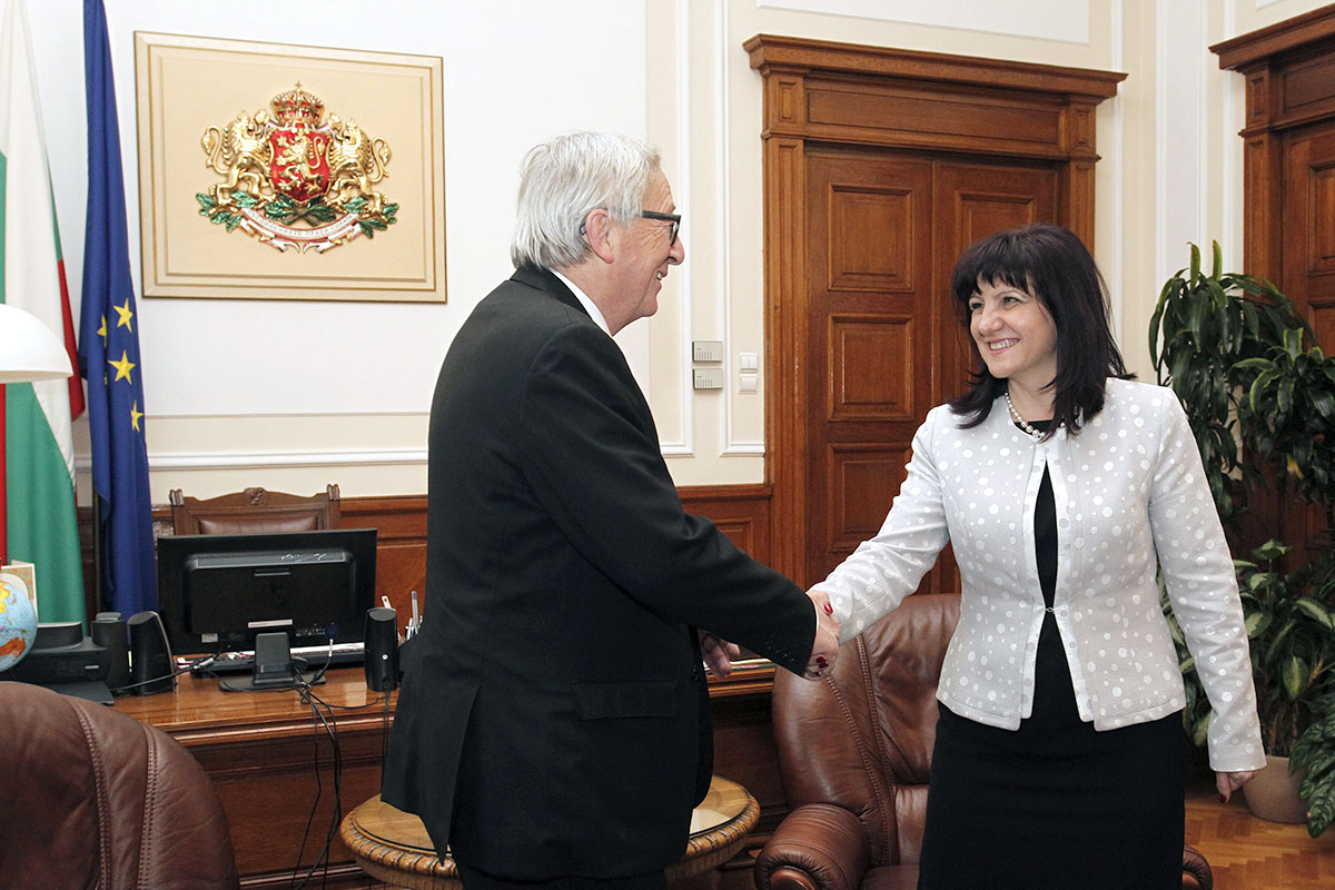 The Anti-corruption Act will enter into force within ten days, National Assembly Speaker Tsveta Karayancheva said during her meeting with European Commission President Jean-Claude Juncker. She informed her guest that the Bulgarian Parliament has reaffirmed its adoption today.